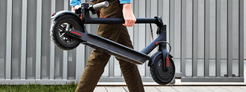 Poskládaná elektrokoloběžka - Skladnost a mobilita