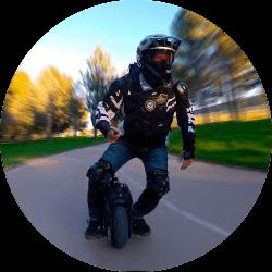 Jiří Šindler - Rád jezdím na elektrické jednokolce